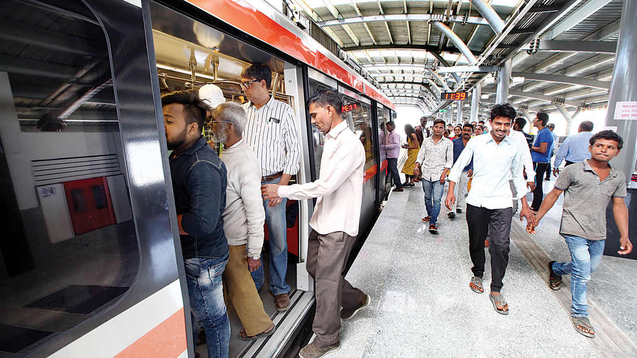 Ahmedabad Metro gains traction with over 1K passengers daily