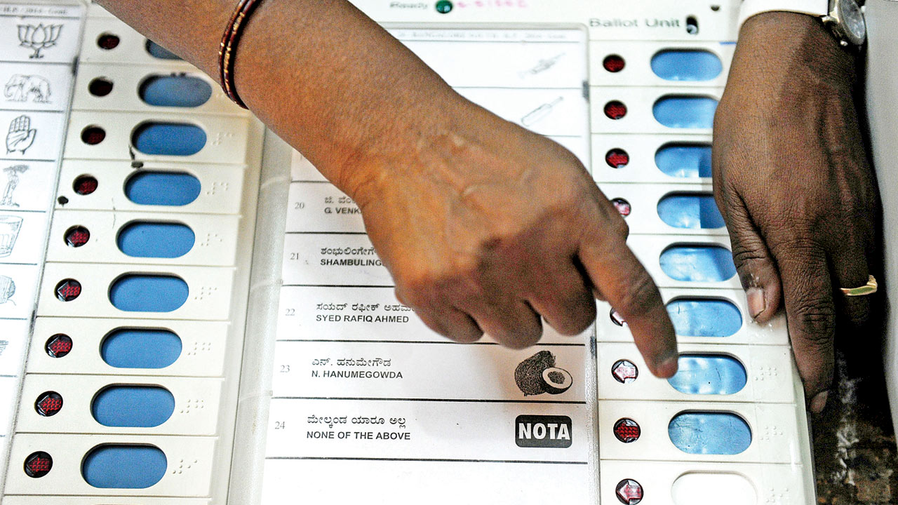 Ahmedabad: EVMs against Right to Privacy, claims engineer