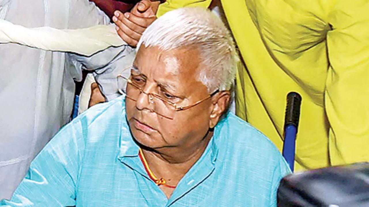 Lalu Prasad Yadav turns 72, but no takers for RJD's cake