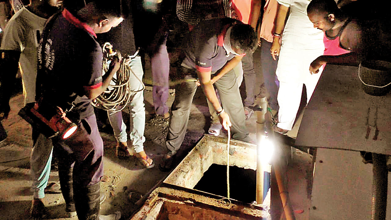 Toxic fumes in Vadodara hotel septic tank claim 7