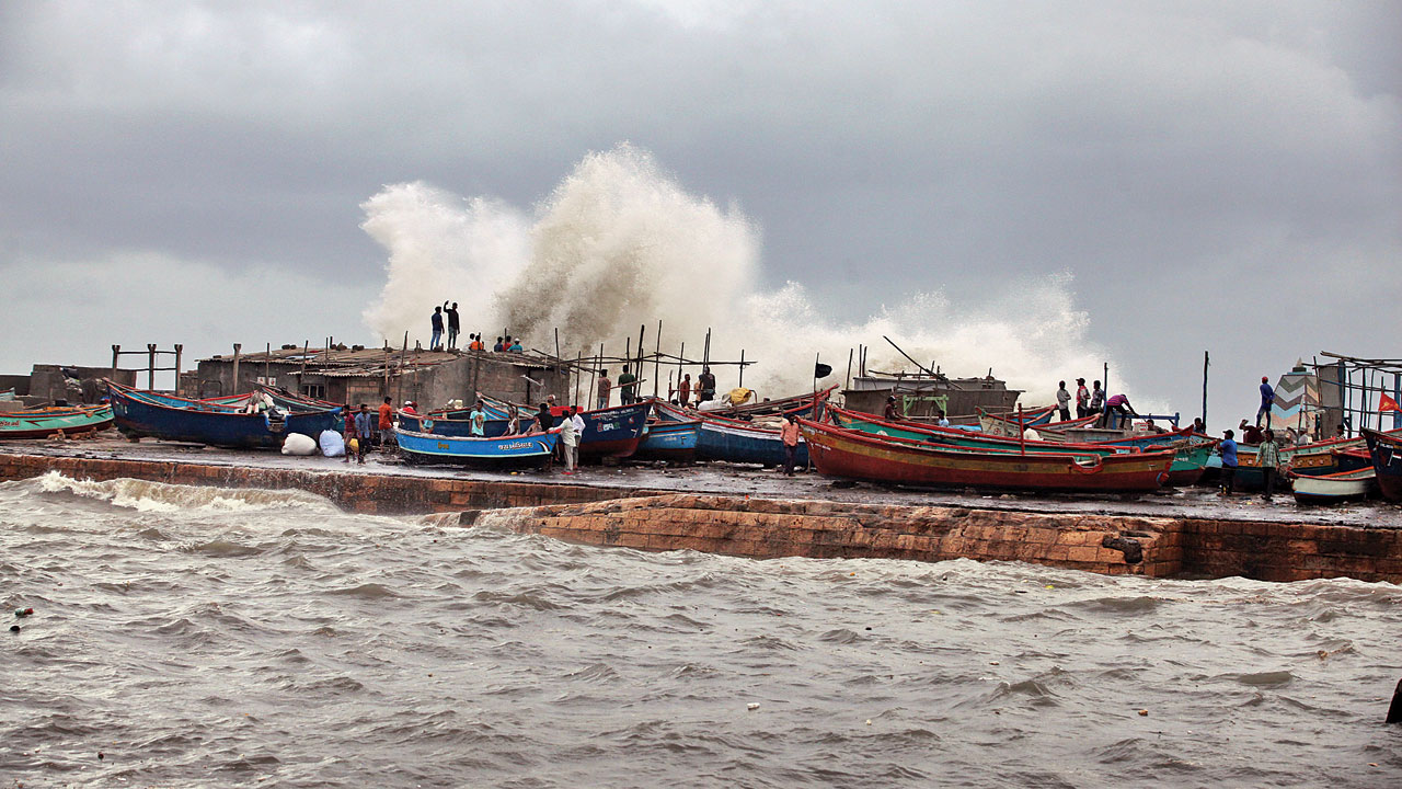 Cyclone Vayu to bring heavy rains in Saurashtra and Kutch