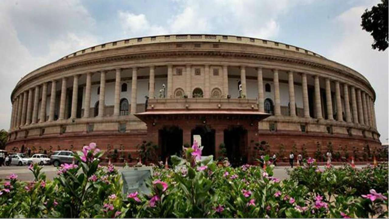 17th Lok Sabha Day 2 Live: Sloganeering continues as MPs of various parties take oath