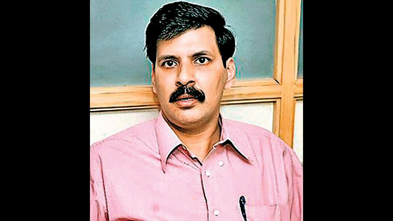 IPS officer Rajnish Rai who took on govt is now faculty at IIM-Ahmedabad
