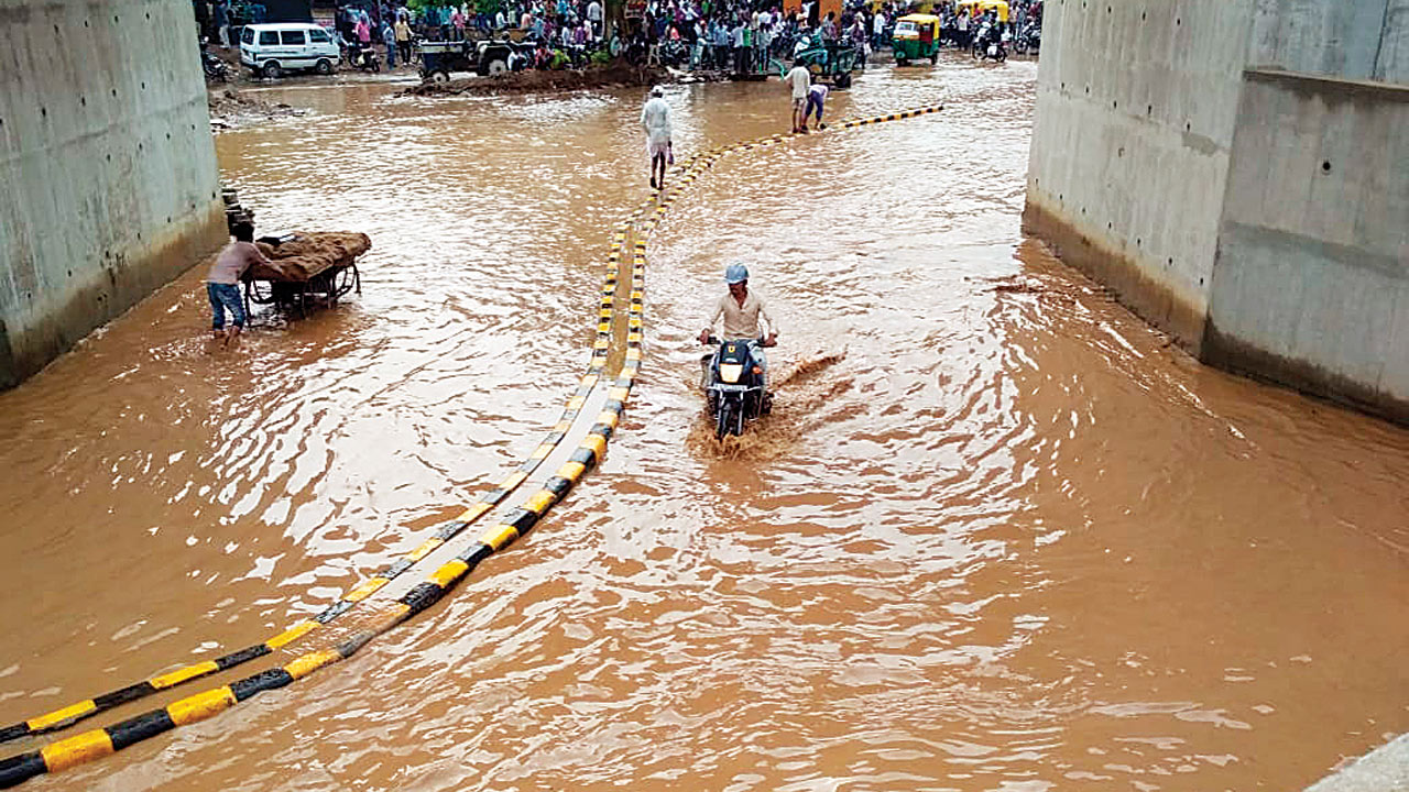 Gujarat: Monsoon yet to arrive, but rains to continue