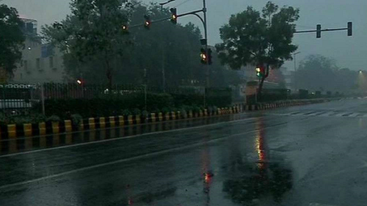 Monsoon covers all of Maharashtra, moves to south Gujarat, MP: IMD