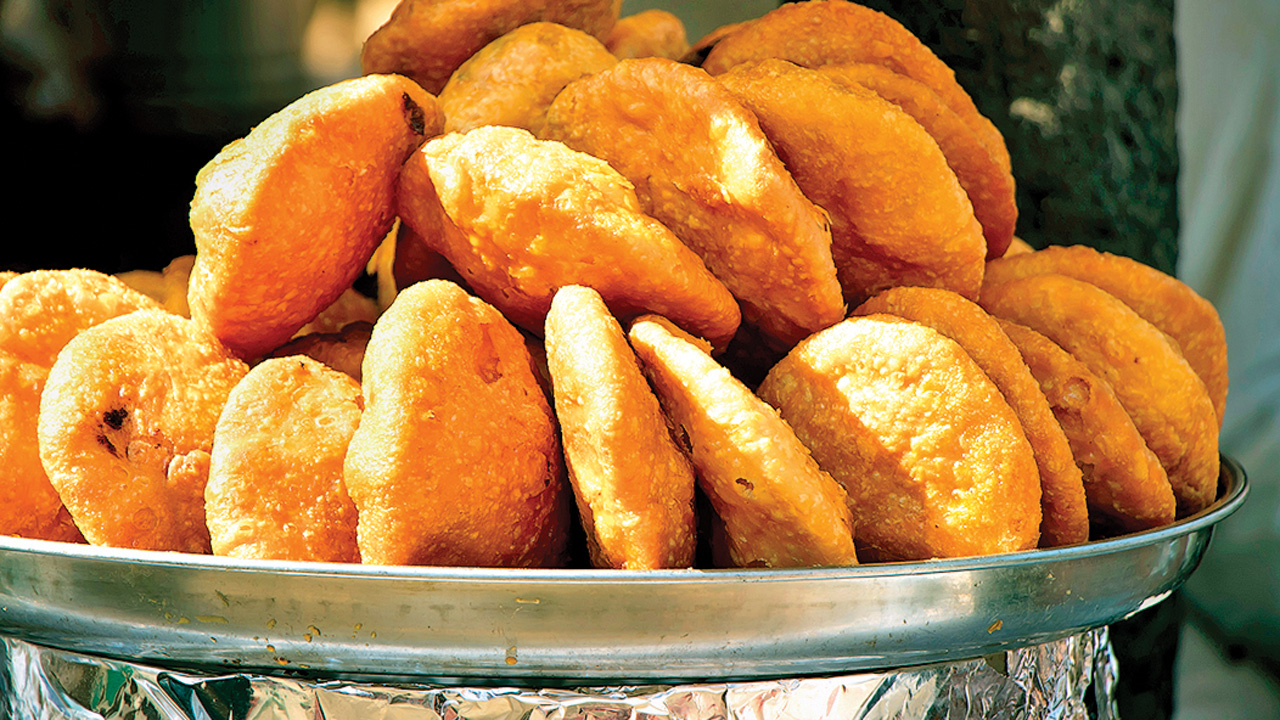 Aligarh: Tax notice to kachori seller with turnover of Rs 1.50 crore