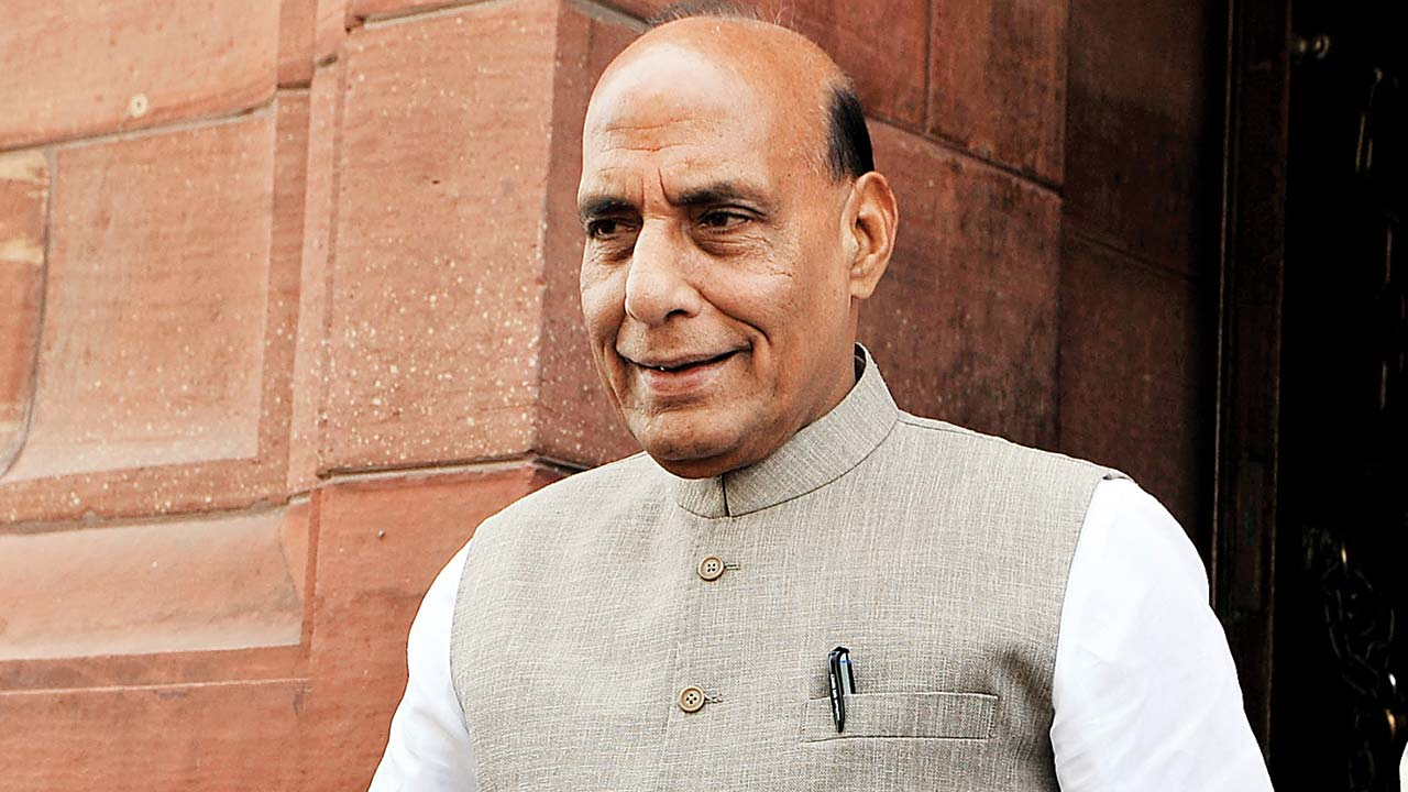 Rajnath Singh lights 'Victory Flame' from National War Memorial
