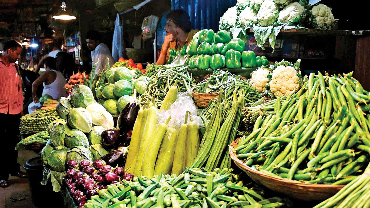 Coriander hits a century: At Rs 100, garnish costlier than main dish