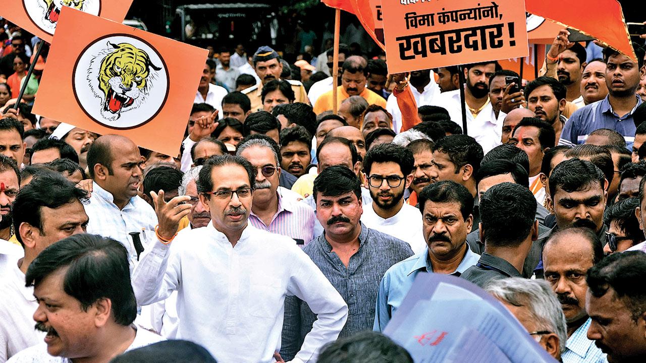 Settle farmers' claims in 15 days: Shiv Sena