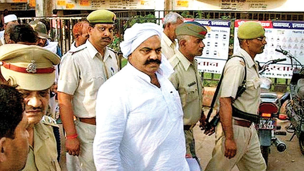Samajwadi Party leader Ateeq Ahmed in Gujarat jail, CBI raids his Uttar Pradesh home