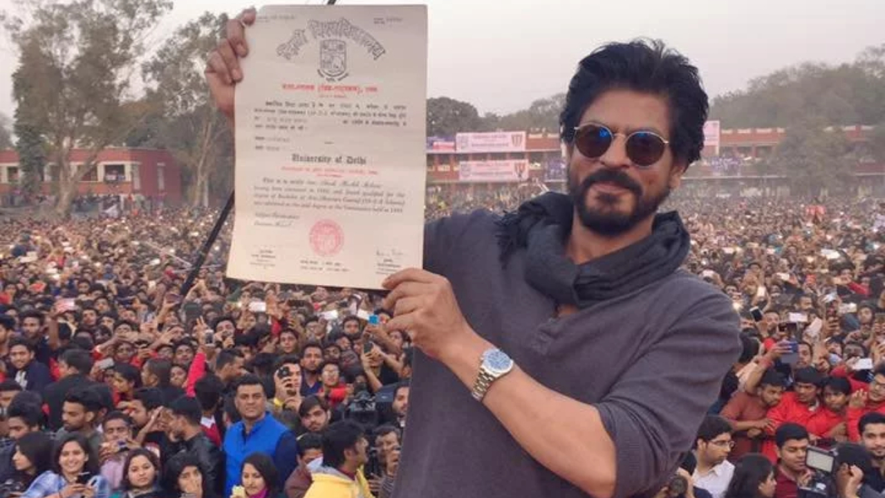 Shah Rukh Khan's admission form from Hansraj College goes viral once again!