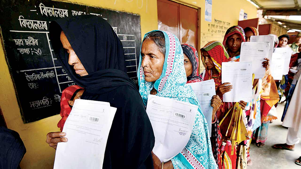 Supreme Court rejects plea to re-verify, but extends NRC to Aug 31