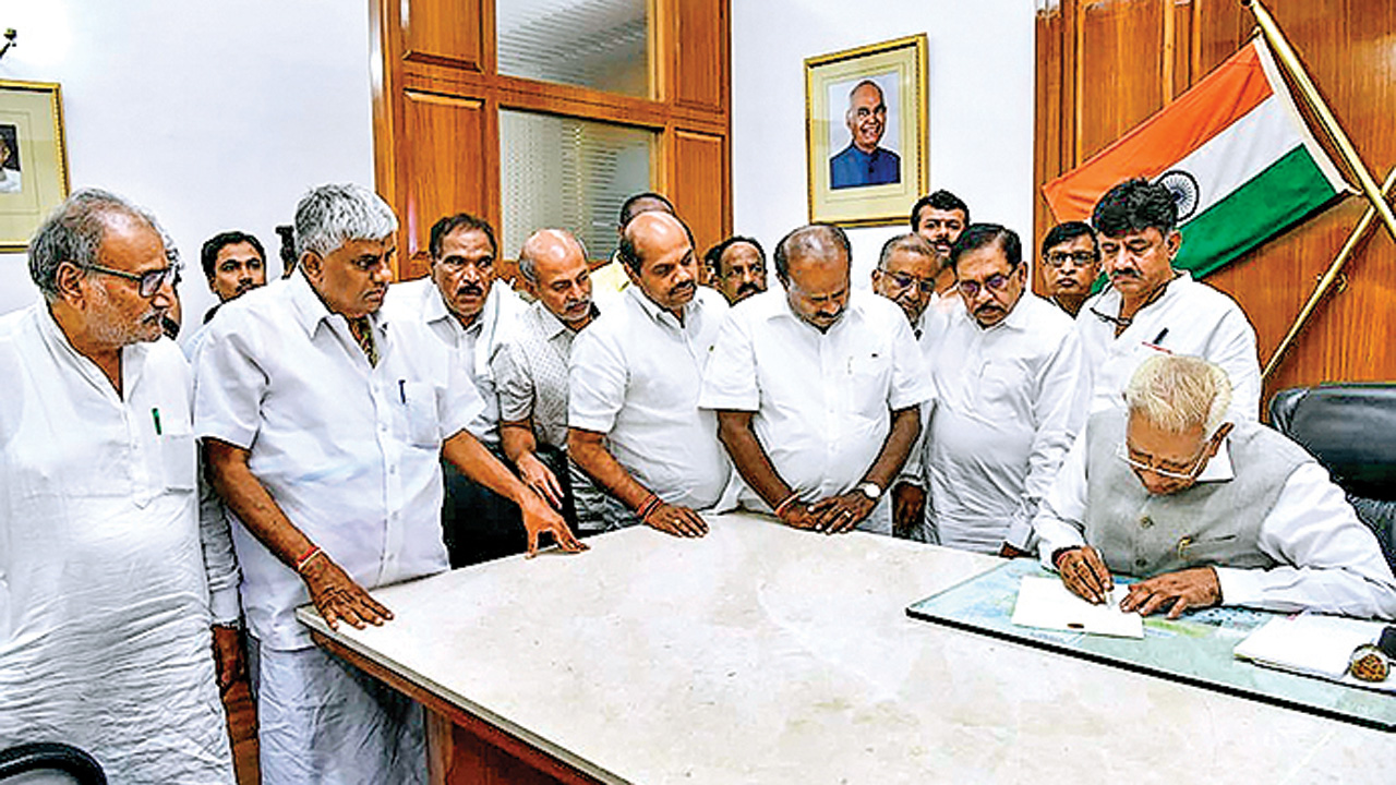 Another opportunistic alliance in Karnataka comes to an end
