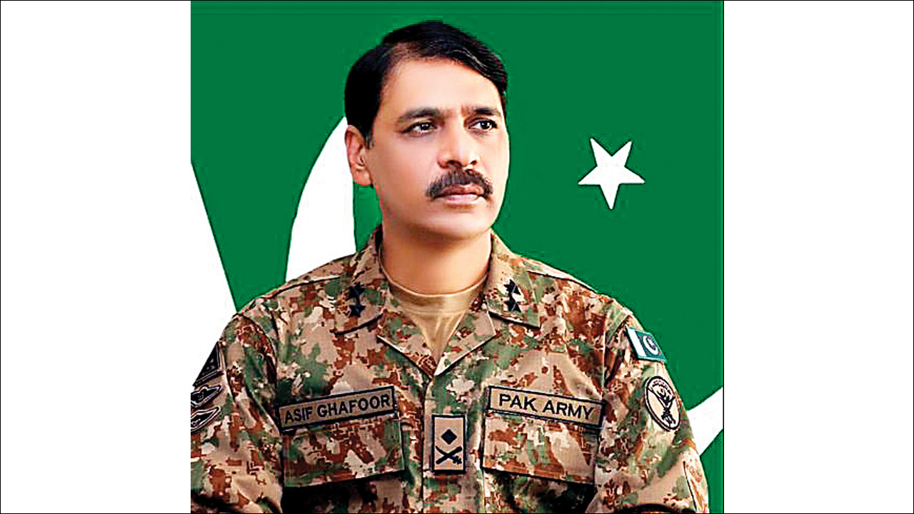 Pakistani army spokesman posts misleading clip