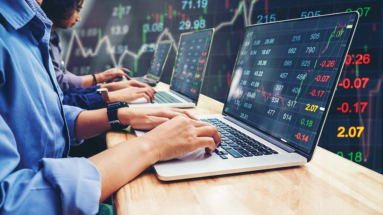 Reliance Ind, Castrol, Zee may gain strength