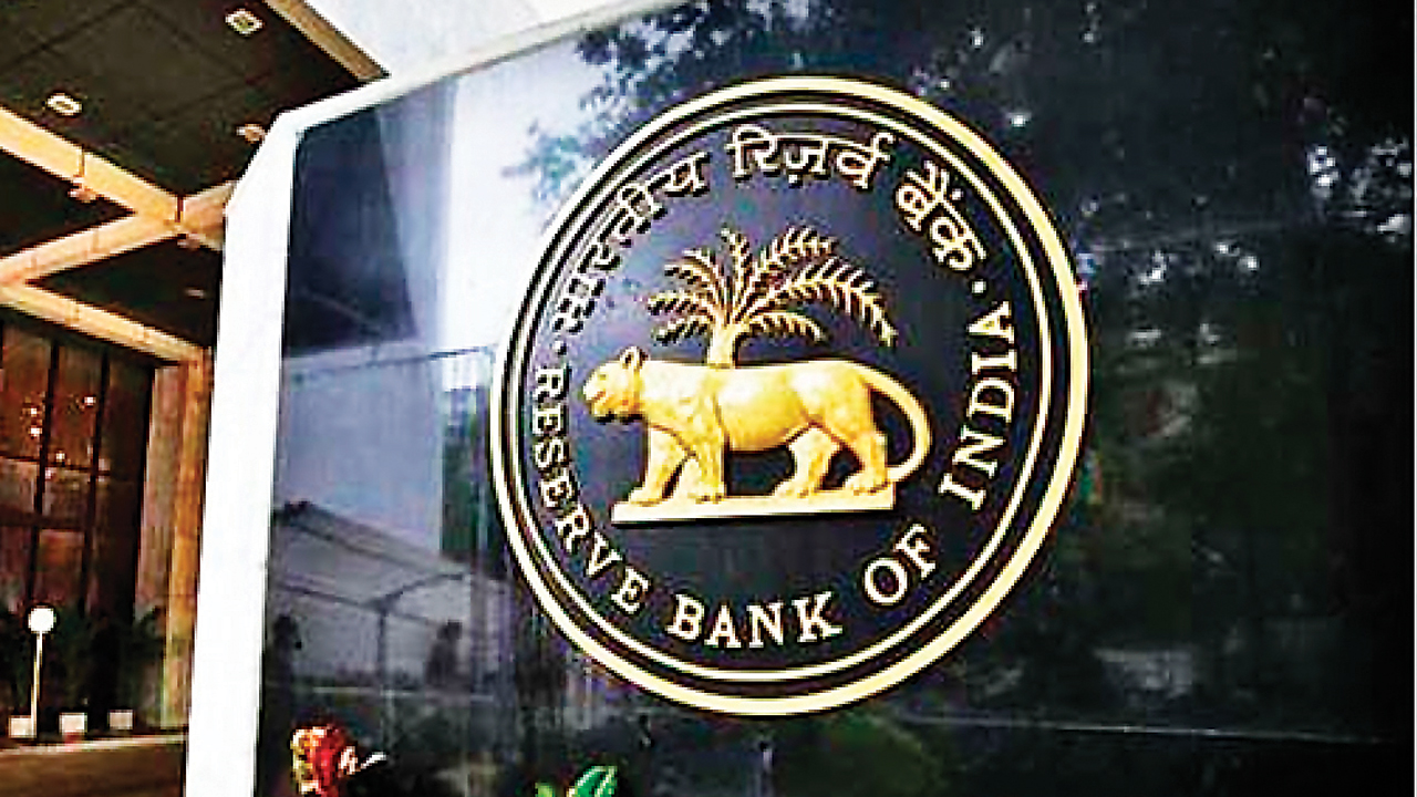 Realty firms cheer RBI rate cut, expect banks to pass benefits
