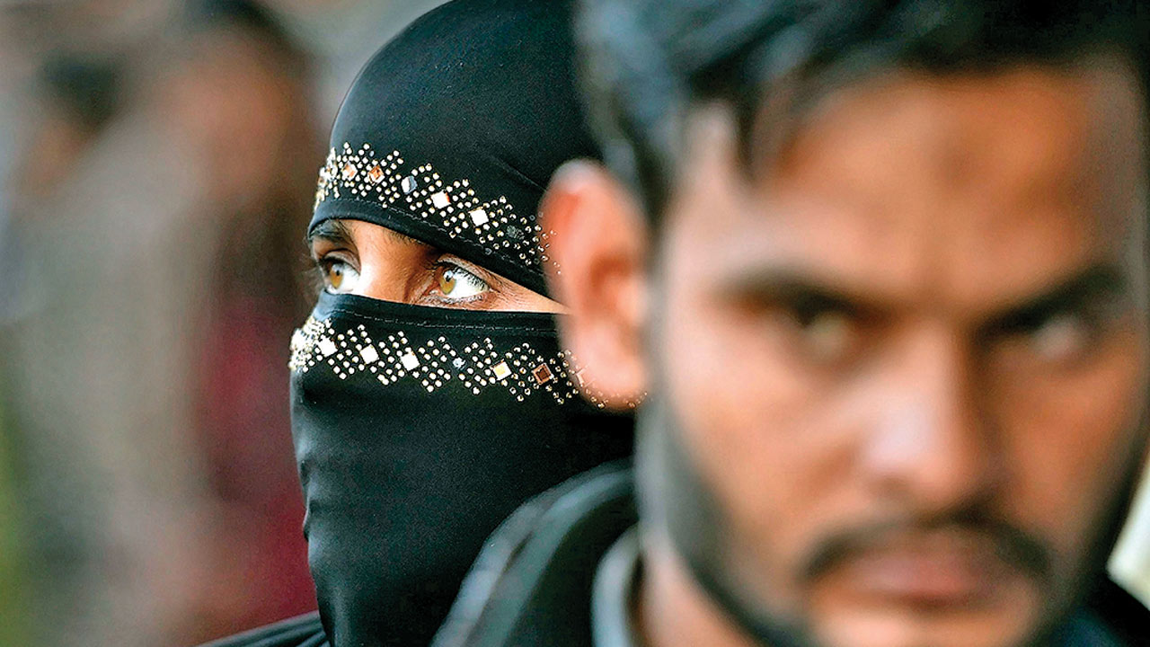 Uttar Pradesh: Man gives 'triple talaq' on court premises