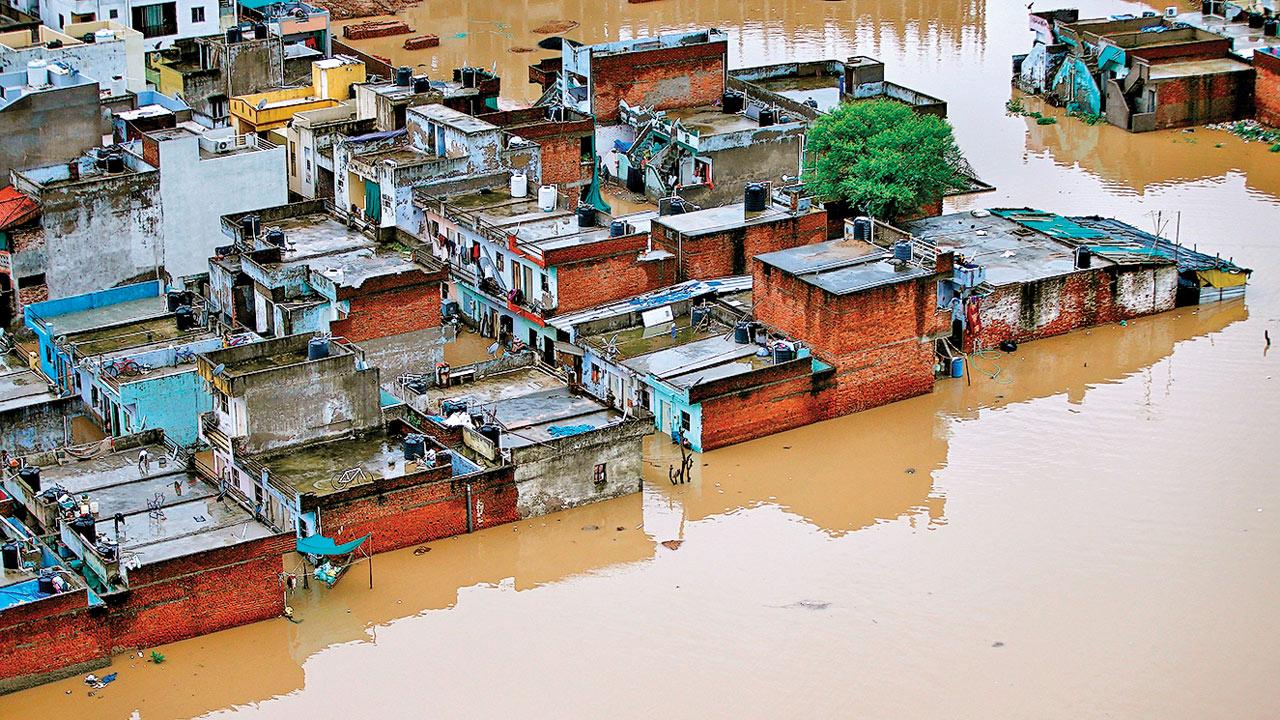 10,000 evacuated in Gujarat, rain toll at 19