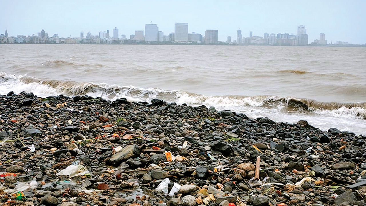 Rubbles at Girgaum Chowpatty raises eyebrows, BMC assures probe