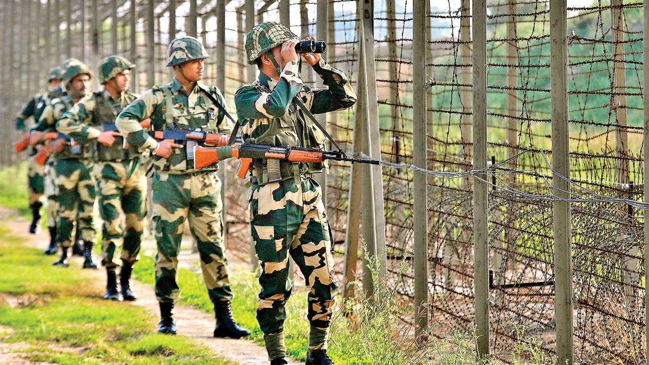 Cops on trail of agents in BSF exam