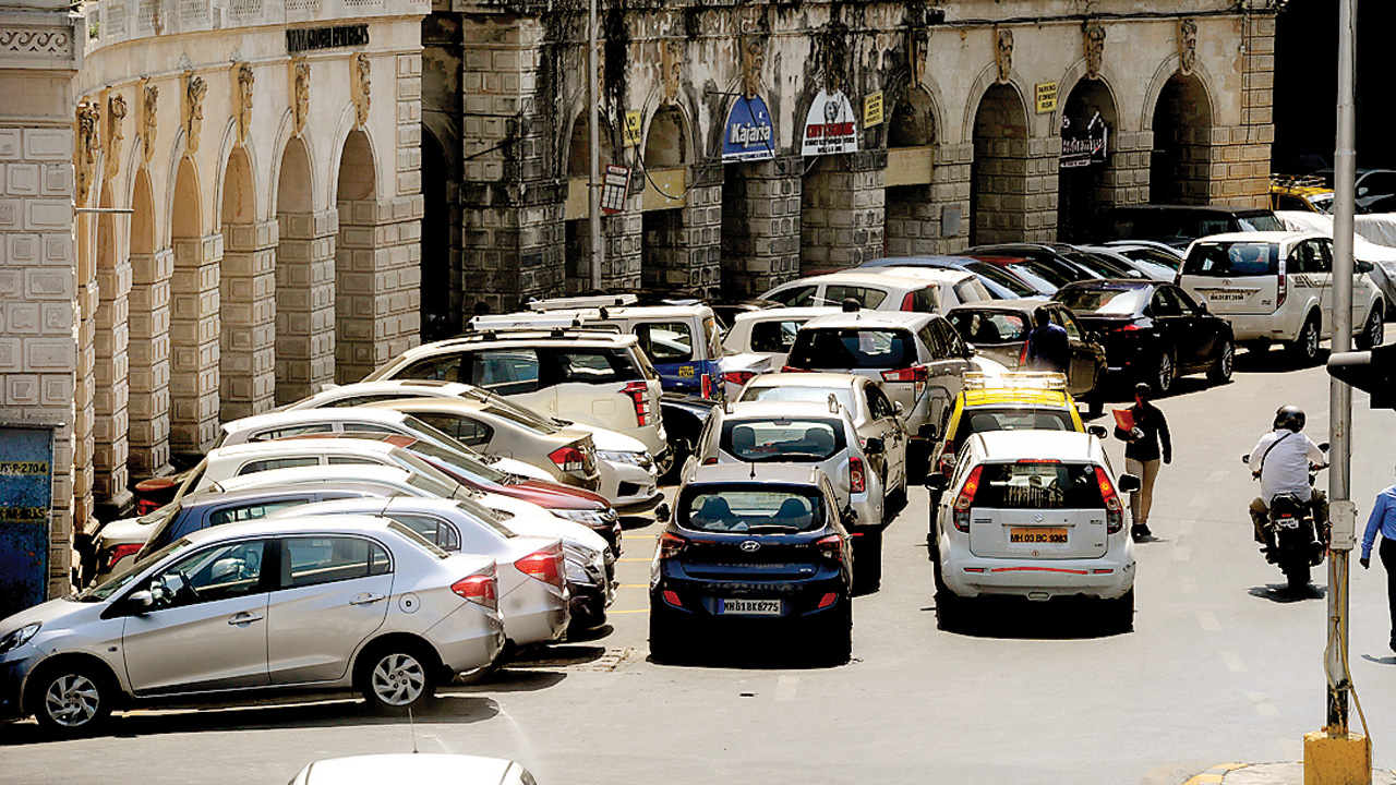 BMC to pvt bus owners: Use public parking or face music