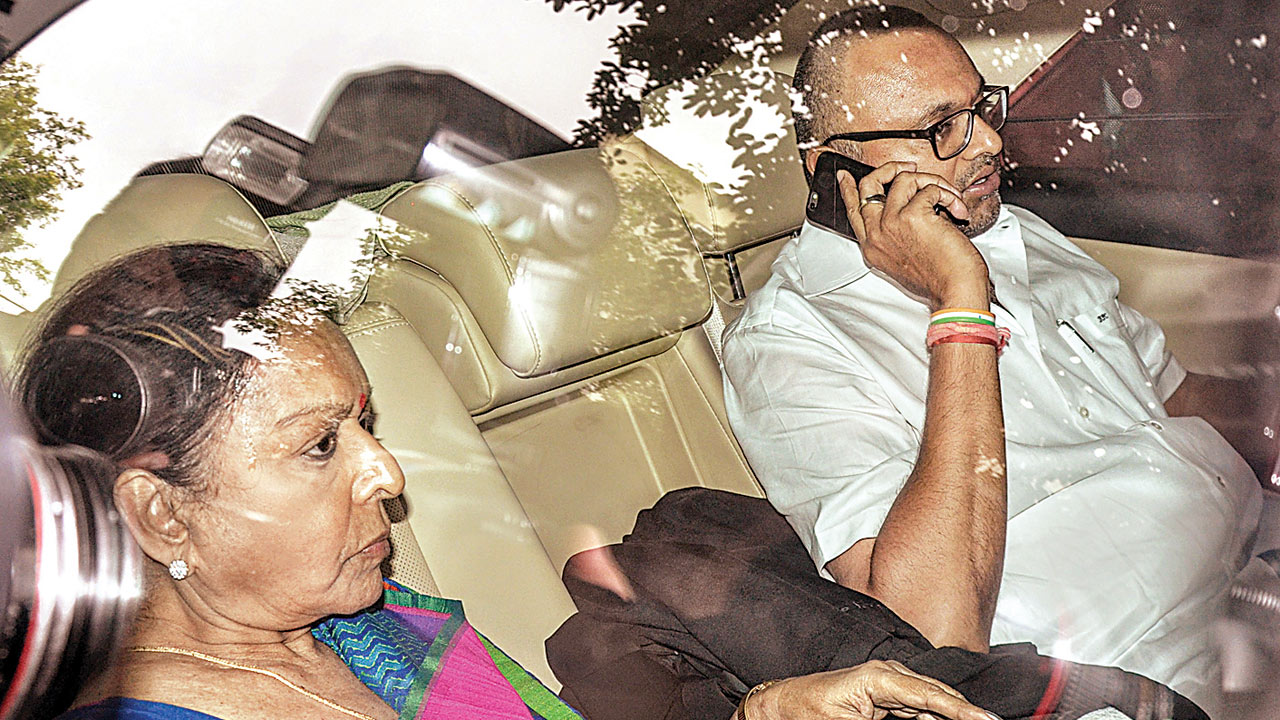In a bind, Congress turns to late Rajiv Gandhi for help