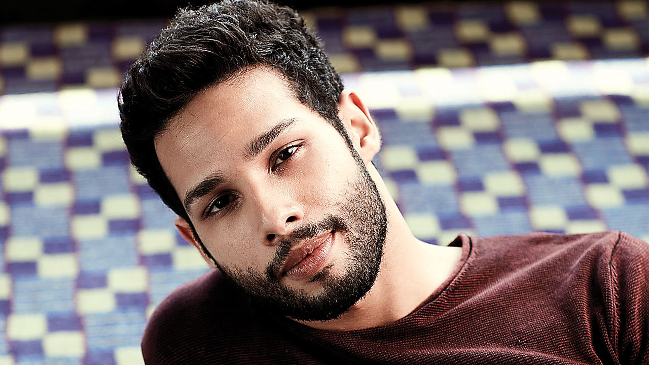 Girls want a boyfriend like Siddhant Chaturvedi!