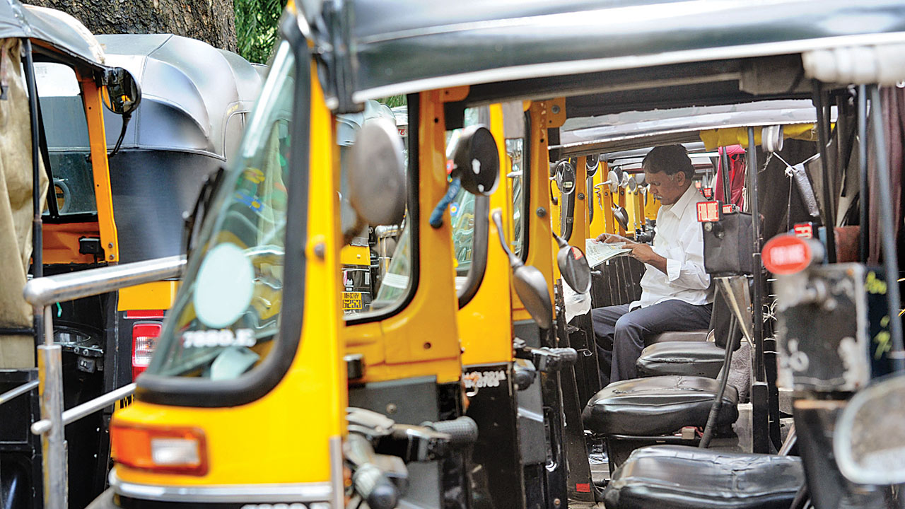 Mumbai: No CNG for autos and taxis results in breakdowns