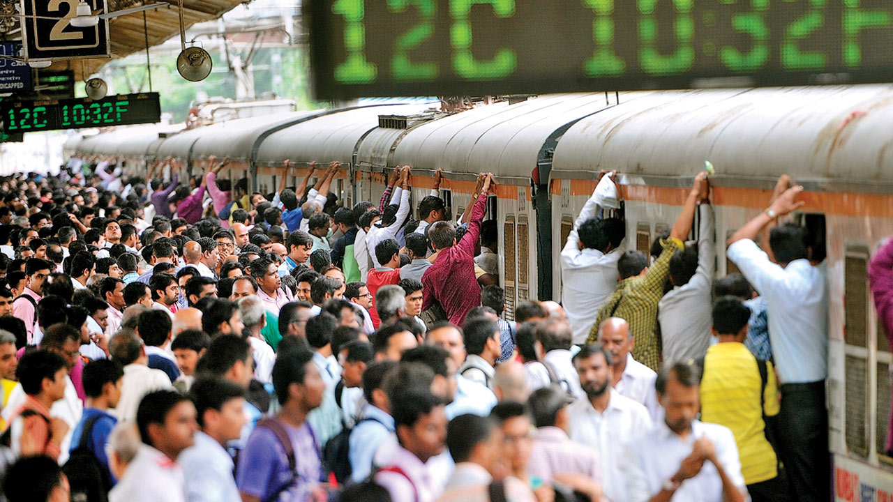 Mumbai: Heavy crowds catch Piyush Goyal's glance, railways measures fly fast