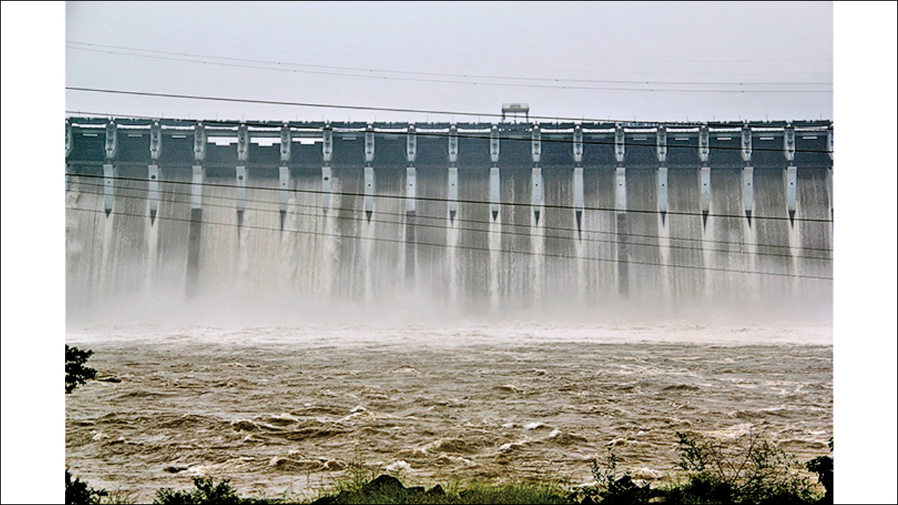 'Full' festivities for Sardar Sarovar dam