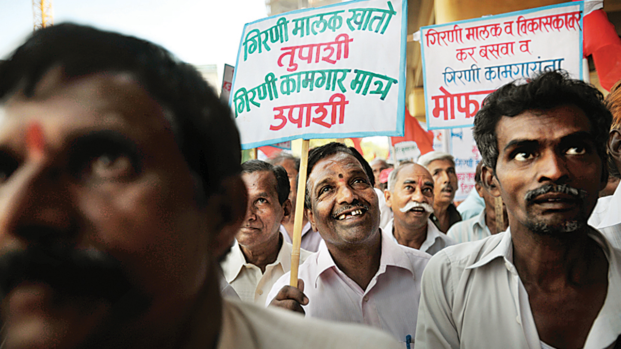 Mumbai: Mill workers' wait continues