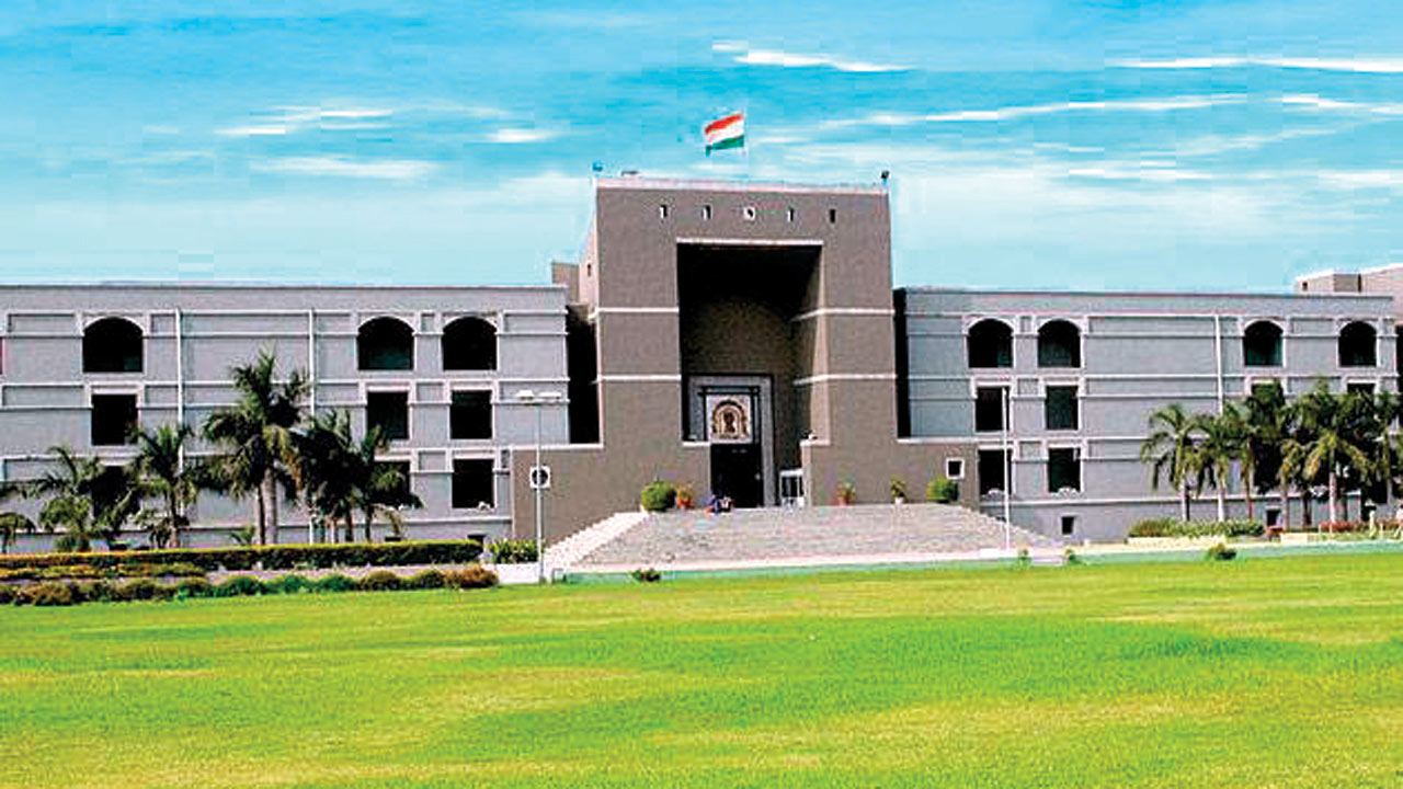 Mere possession of liquor not a threat to public order, rules Gujarat High Court