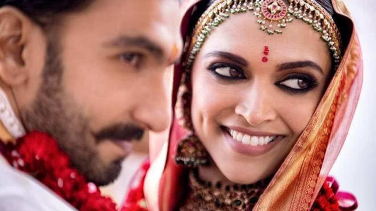 Watch: Deepika Padukone's reaction to forgetting she is Ranveer Singh's wife is unmissable!