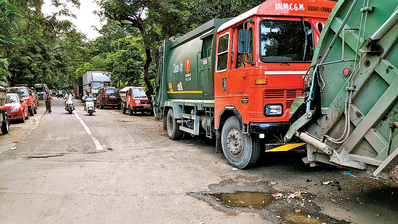 Mumbai: 'Bear stench, no space for dumpsters', says BMC