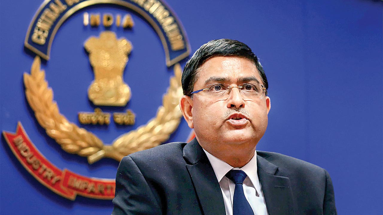 CBI officer probing ex-chief Rakesh Asthana seeks voluntary retirement