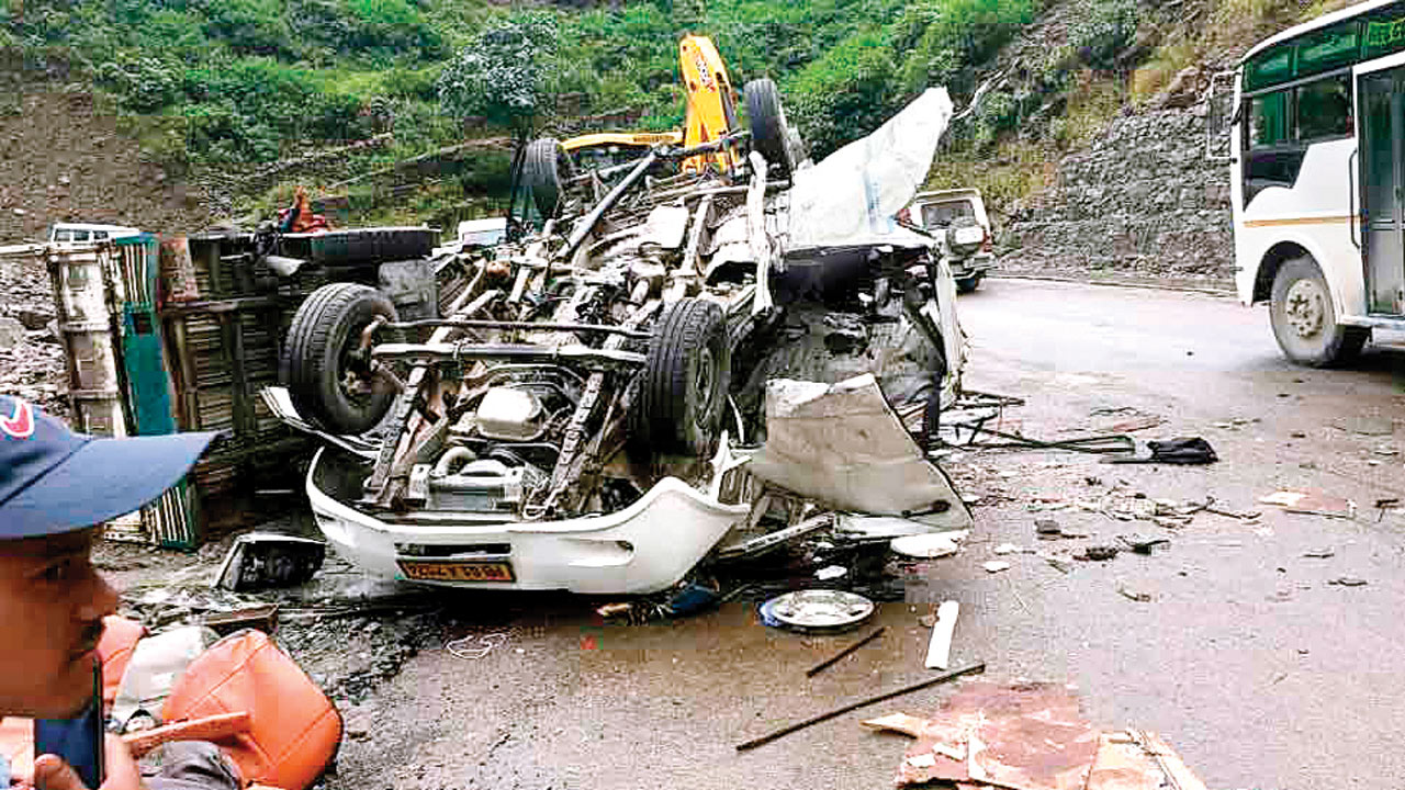 Five die as boulder collapses over vehicle in Uttarakhand