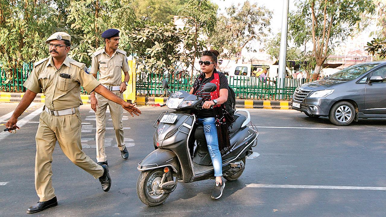 Gujarat: PUC, helmet, High-Security Registration Plates deadline postponed