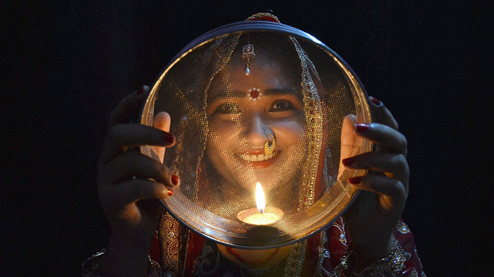 Karwa Chauth 2019: Quotes, SMS, Whatsapp messages to send your loved ones