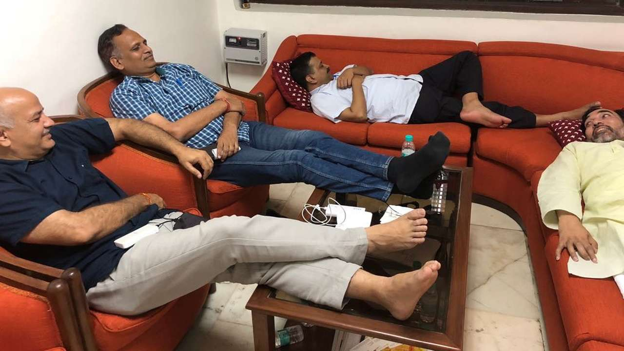 Image result for arvind kejriwal surgical strike in leftanat kenal sofa