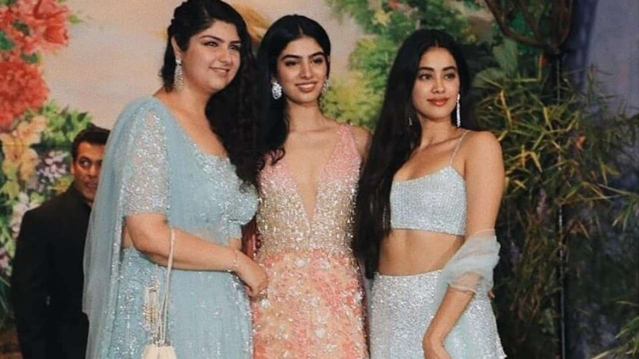 See pics: Janhvi Kapoor enjoys bonding time with sisters Khushi and Anshula after 'Dhadak' trailer frenzy