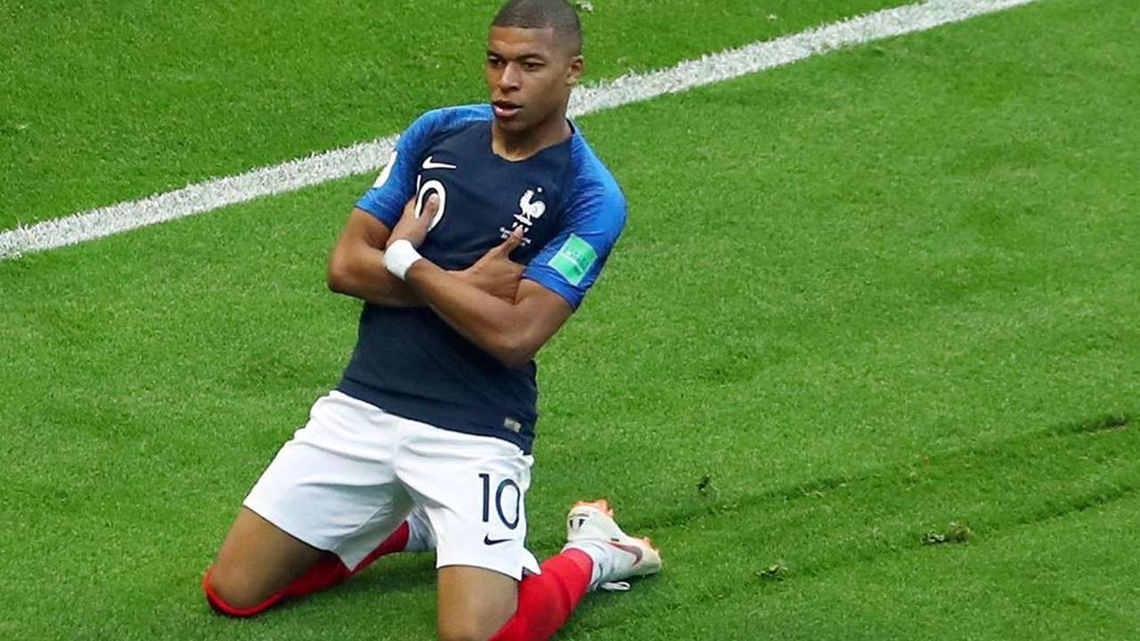 world cup 2018 from messi s agony to mbappe s brilliance top 5 talking points from france 39 s 4. Black Bedroom Furniture Sets. Home Design Ideas