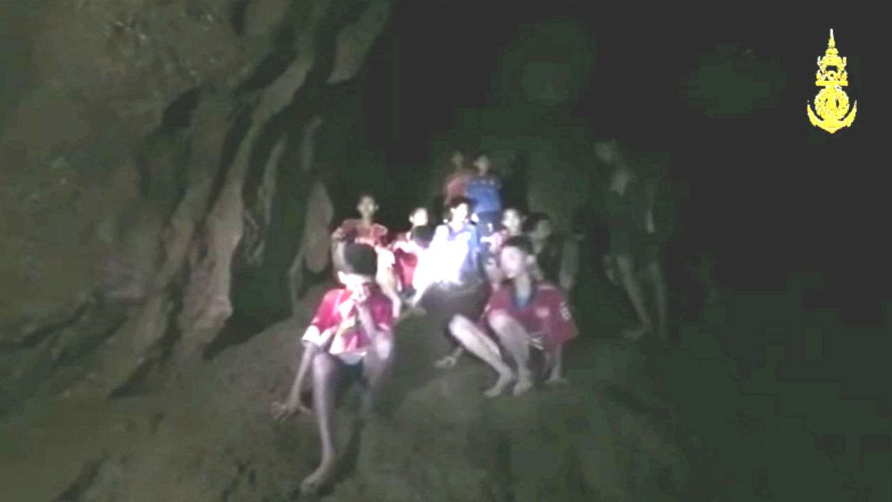 Thailand cave rescue: Football team will learn diving to ...