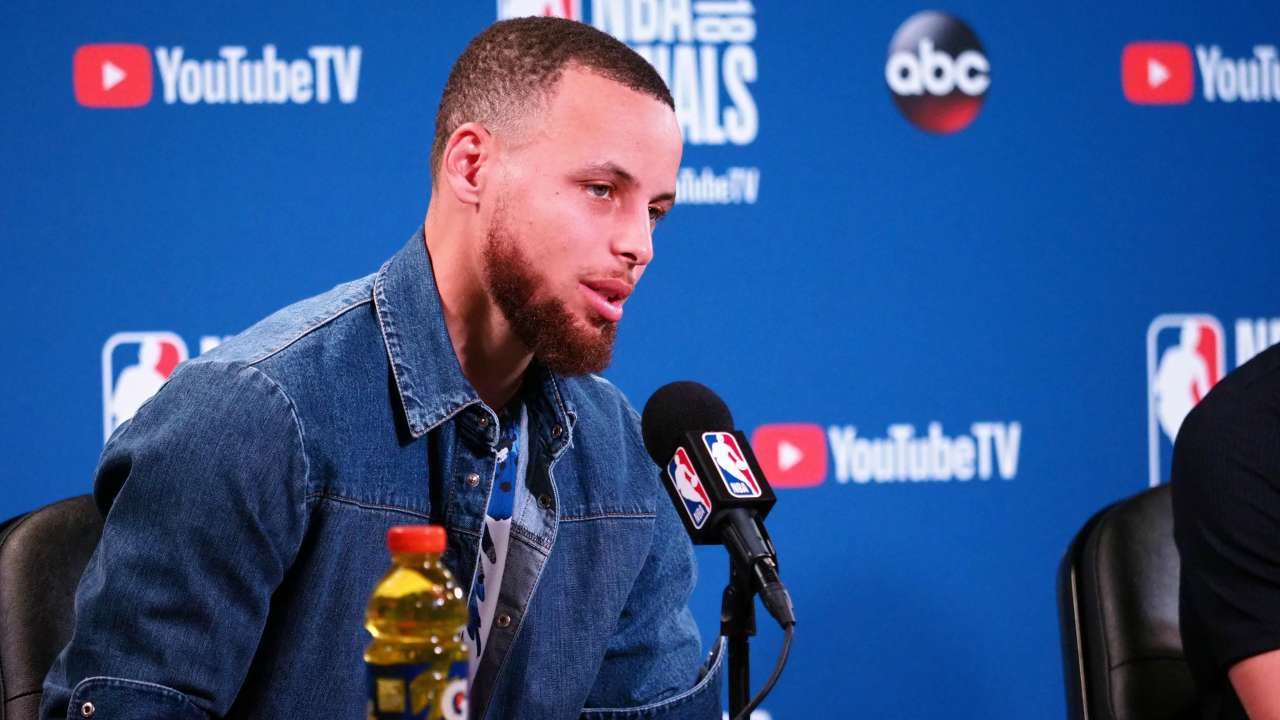 Did Nike Reject Stephen Curry for Wanting Bible Verse on Sneaker?