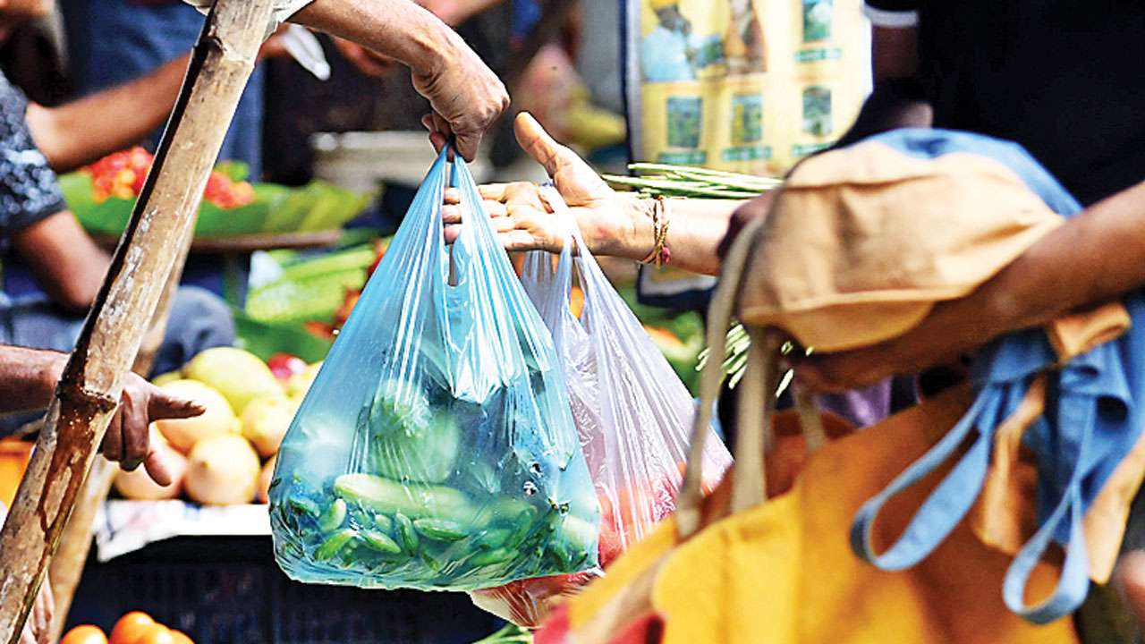 Ahmedabad: Plastic ban reduces waste to half this year
