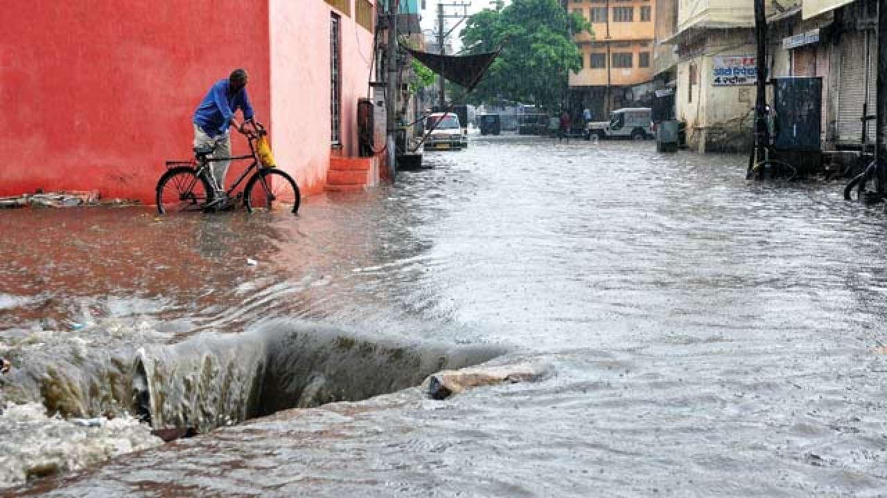 Gujarat: 7-year-old boy dies after falling into open manhole in Surat