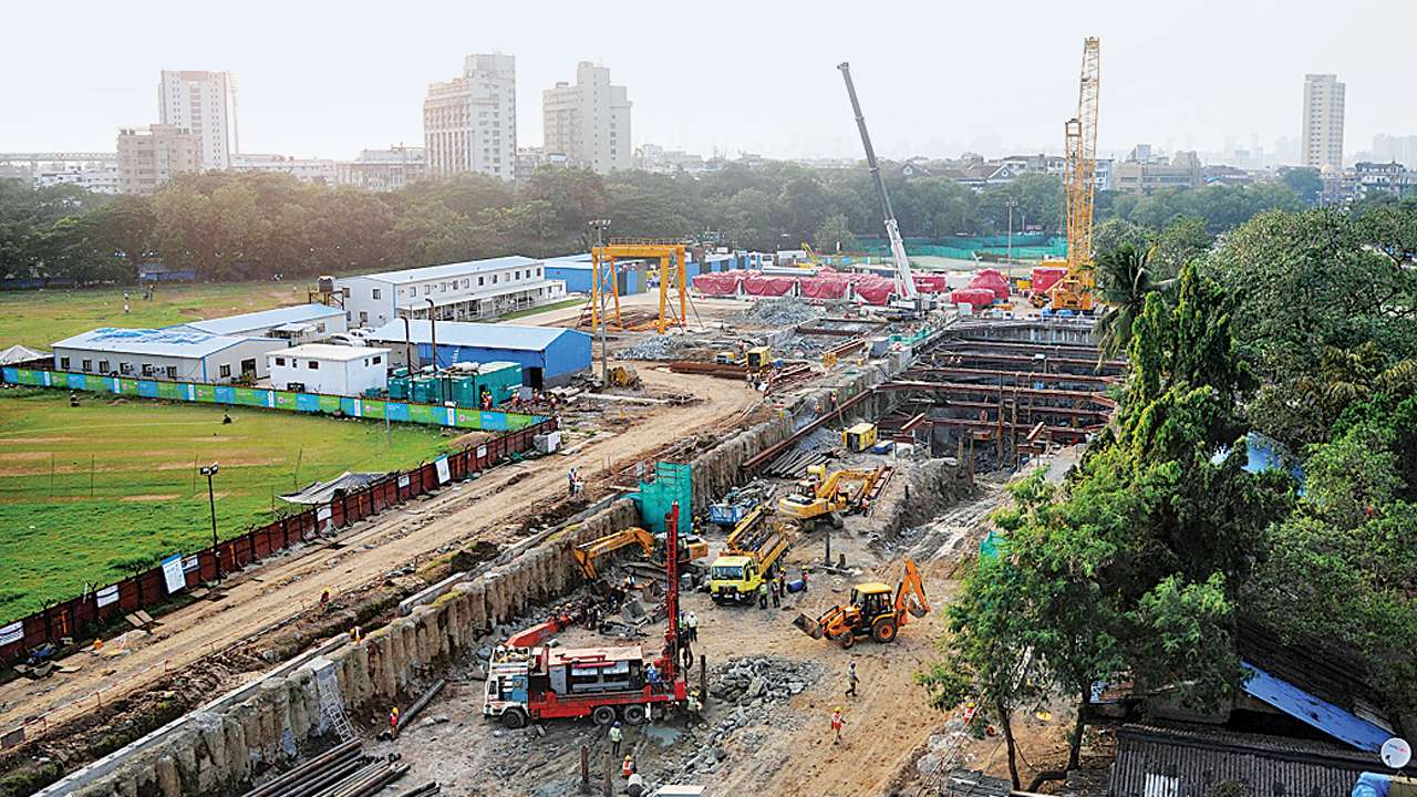 Make WhatsApp group for locals, Bombay High Court tells Metro 3