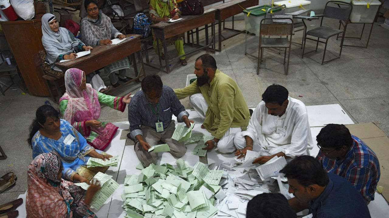 31 people dead after Pakistan polling station explosion