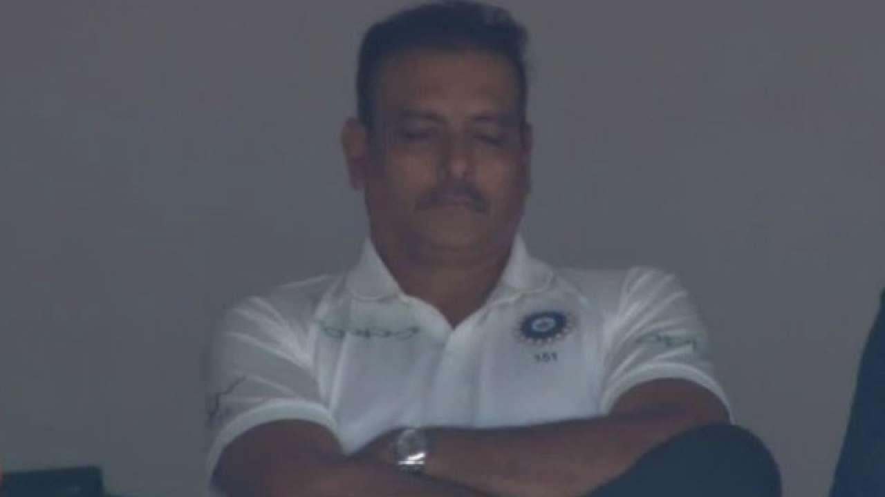 उठो, रवि! हरभजन सिंह, ट्विटरटी शास्त्री को ट्राल करते हैं क्योंकि वह भारत-इंग्लैंड टेस्ट के दौरान सोते हैं - शब्द (shabd.in)