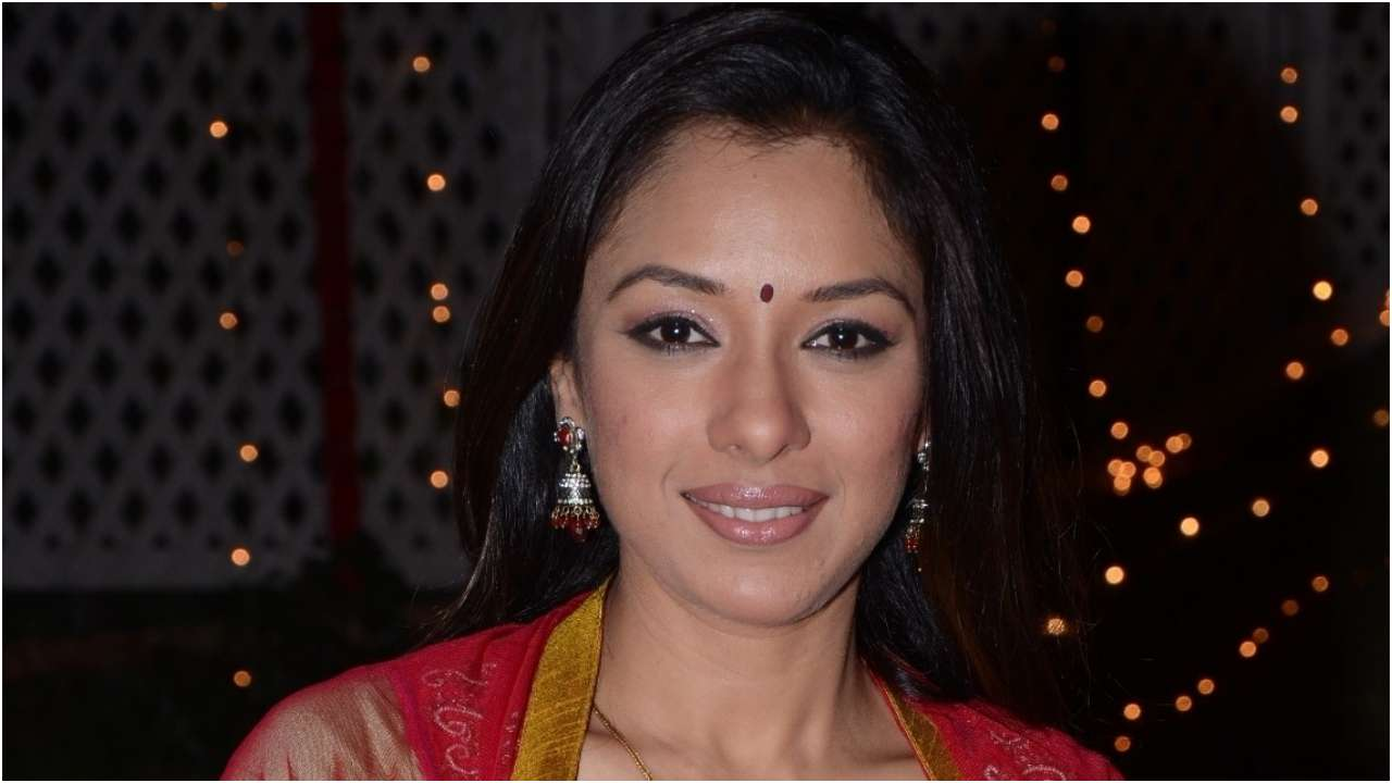 TV actress Rupali Ganguly attacked by bikers