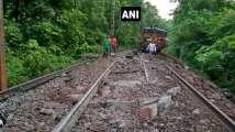 Dantewada: Goods train derailed, Naxal hands suspected